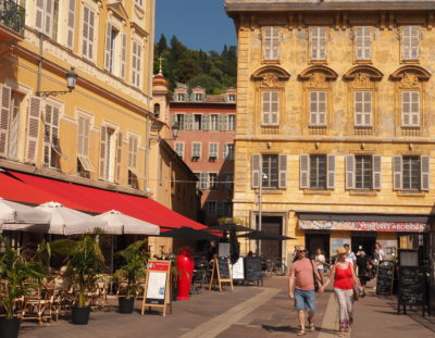 9 Nitty Gritty Tips for Traveling in France