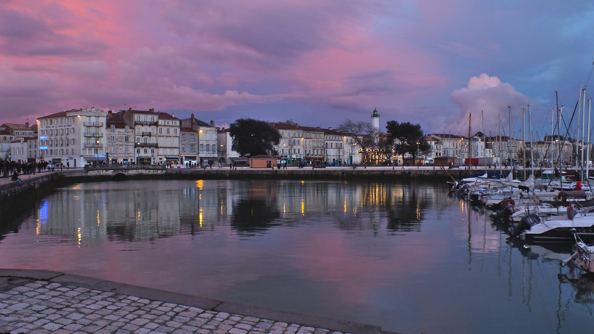 La Rochelle: Medieval Port on the Atlantic