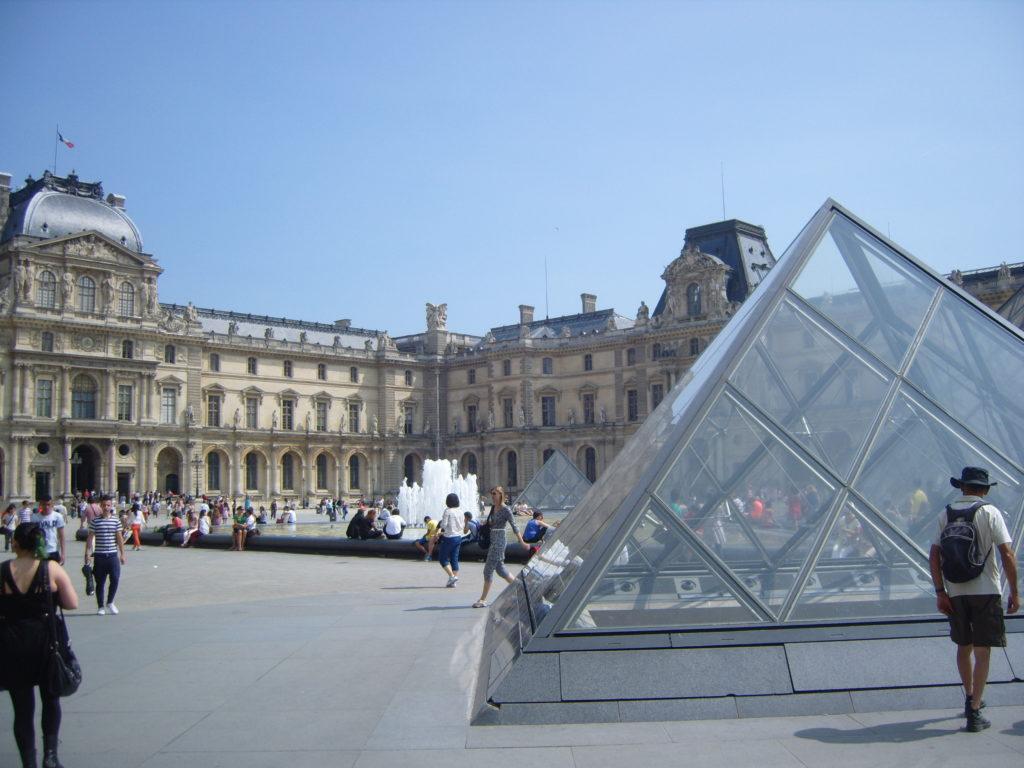 Louvre Museum, Musee du Louvre, Paris Museums